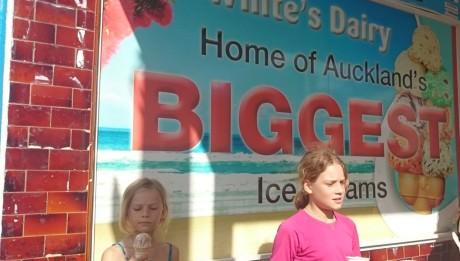 Das größte Eis von Auckland in Devonport.